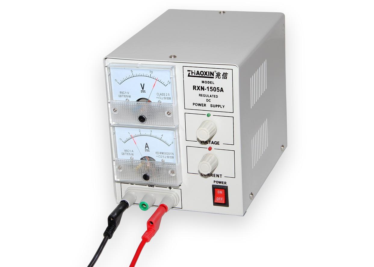 Laboratorní zdroj RXN-1505A 0-15V/5A