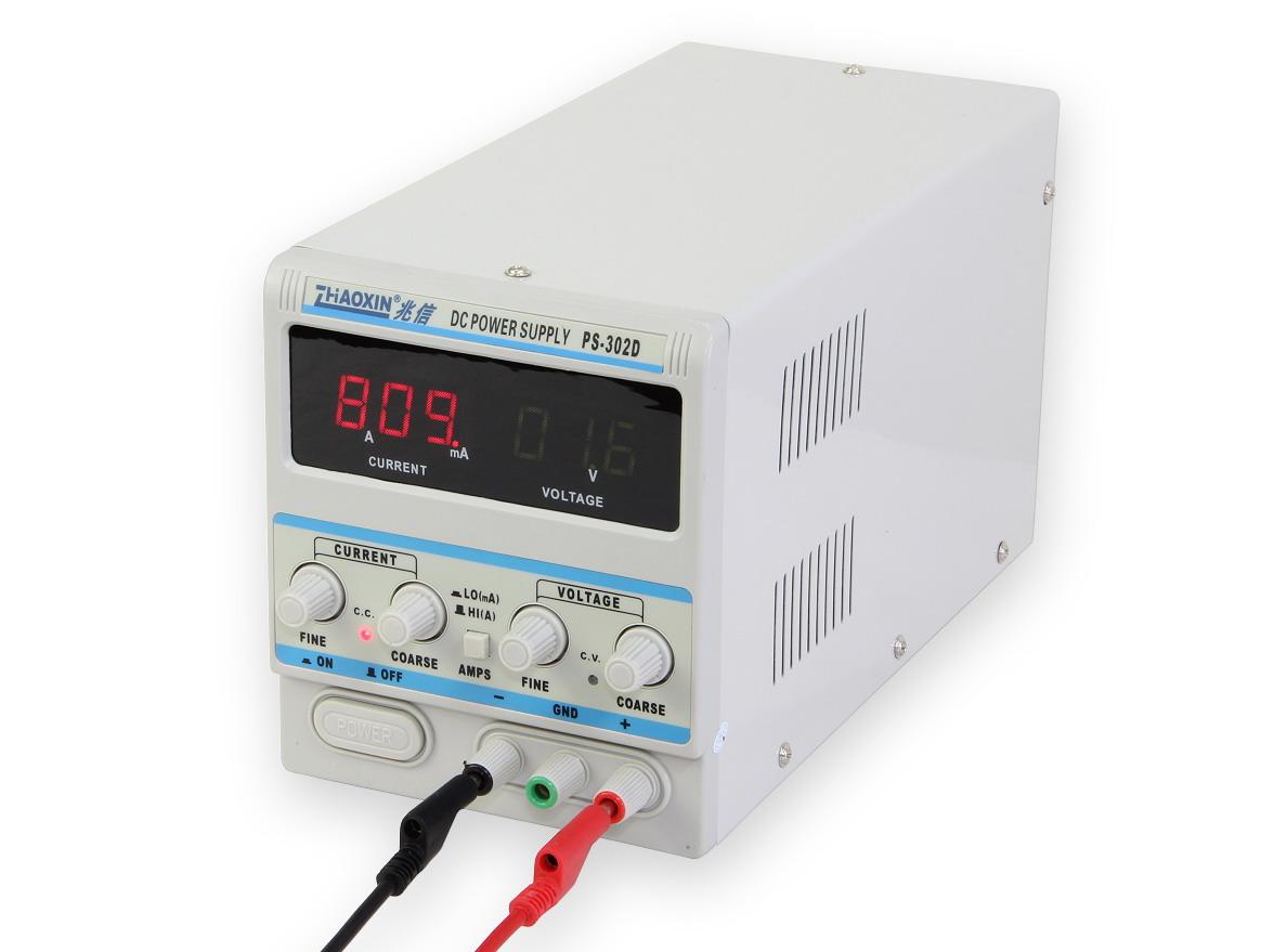Přesný laboratorní zdroj PS-302D 0-30V/2A