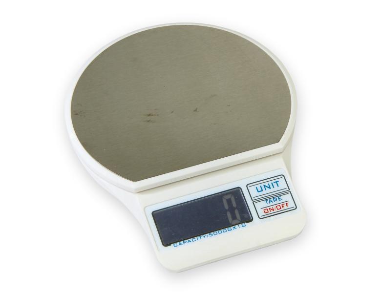 Elektronická váha TB-01 do 5kg s dílkem 1g