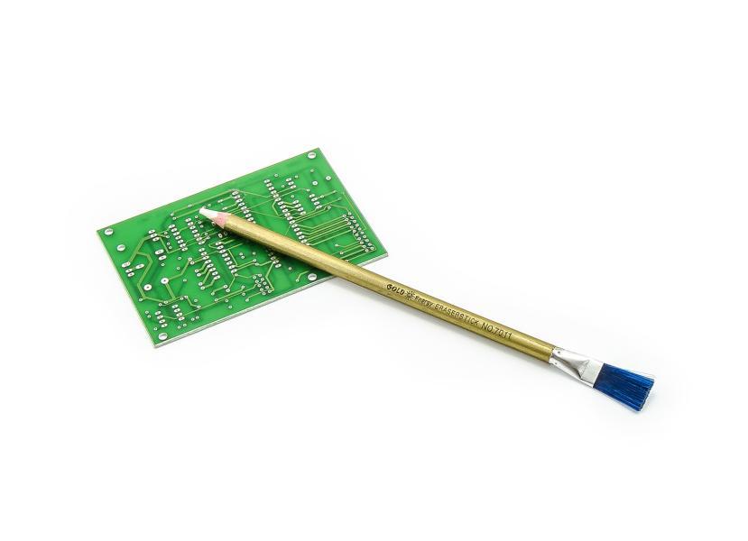 Guma (pryž) v tužce pro čištění kontaktů DPS se štětcem