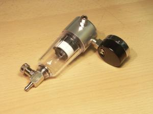 Kompresor SPARMAX TC-500 manometr s odlučovačem