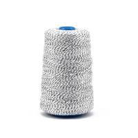 Průmyslová bílo/černá polyesterová (PES) šicí nit pro pytlovačky 800m