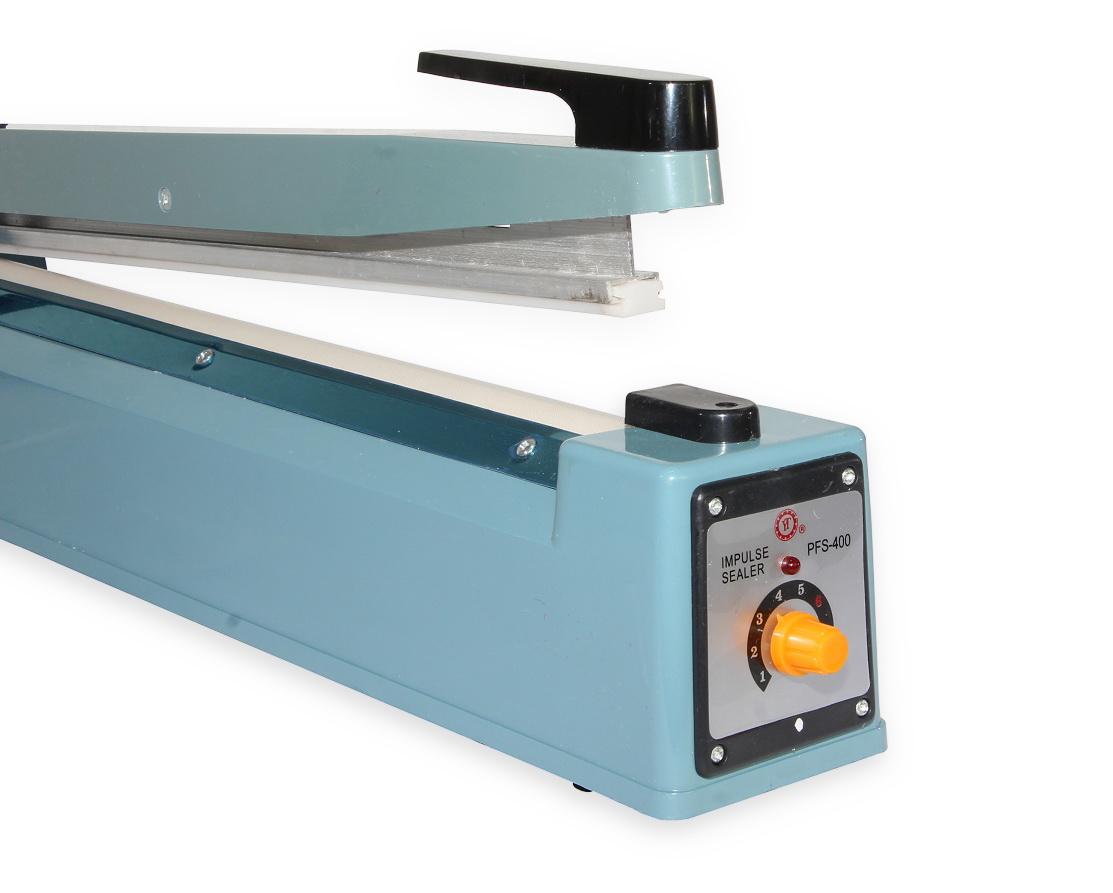 Impulsní svářečka fólií, sáčků a obalů PFS-400 s šířkou svářecí lišty 400 mm