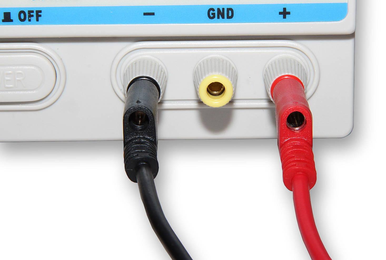 Kabel k laboratorním zdrojům 50cm červený