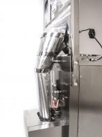 Vertikální balička flow-pack s dávkovačem sypkých látek od 10g do 800g